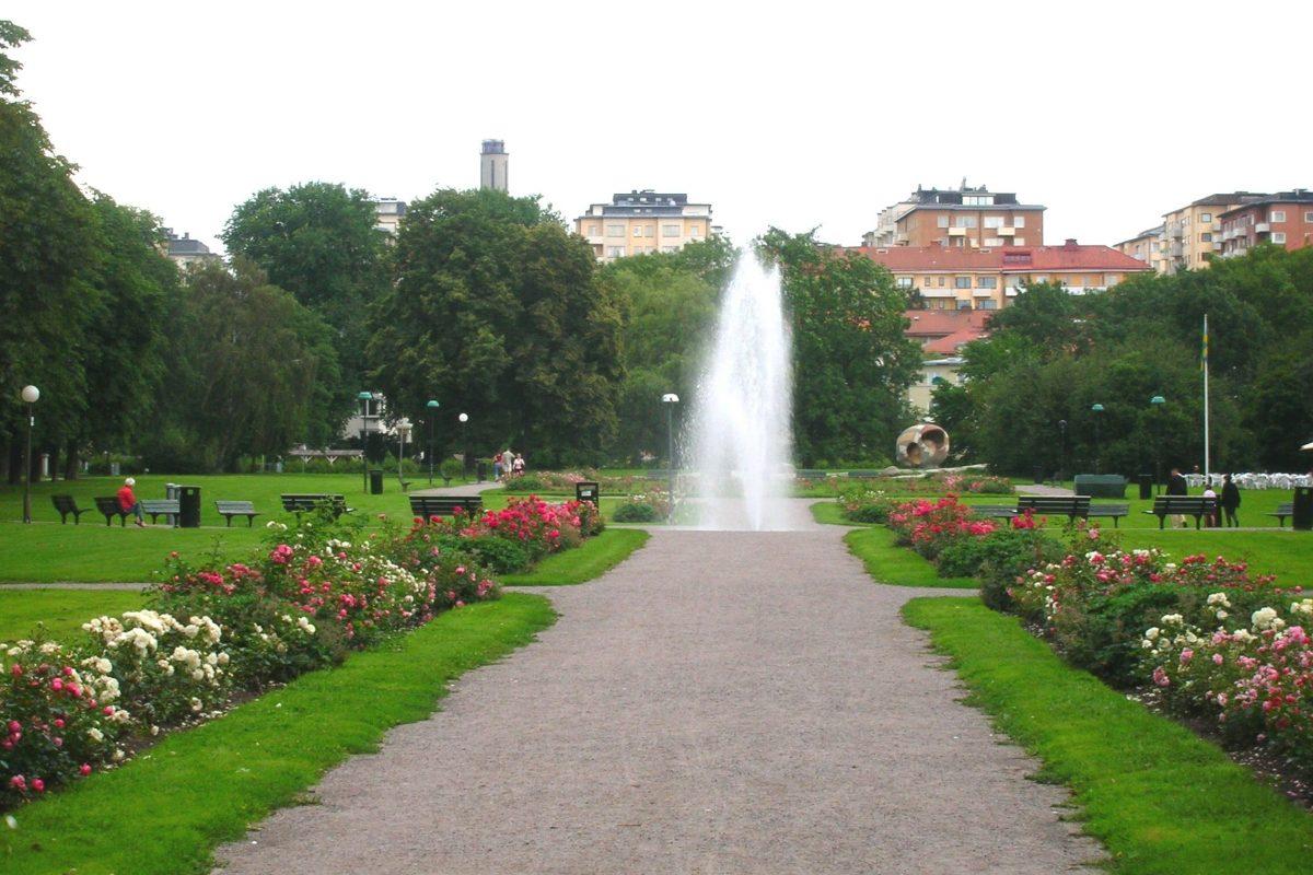 Tessinparken_fontänen_Ladugårdsgärdet_Stockholm_2005-08-06